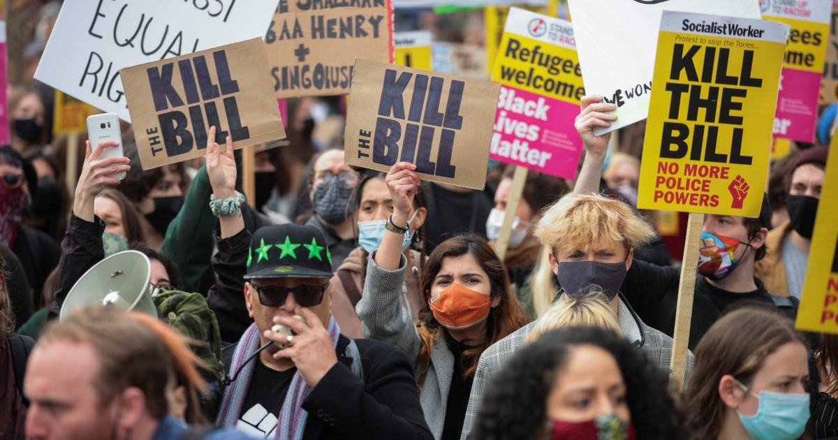 'Kill the bill': Hundreds in UK protest against new crime law
