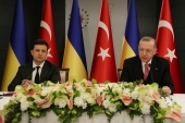 Turkish President Tayyip Erdogan and Ukraine's President Volodymyr Zelenskiy attend a joint news conference in Istanbul, Turkey, April 10, 2021. Murat Cetinmuhurdar/Presidential Press Office/Handout via REUTERS THIS IMAGE HAS BEEN SUPPLIED BY A THIRD PARTY. NO RESALES. NO ARCHIVES.