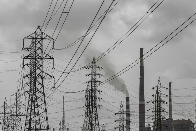A draft Indian electricity policy paper lists promoting clean power as its primary objective while also suggesting the flexible use of coal-fired and natural gas-fired power to ensure grid stability in the coming years [File: Dhiraj Singh/Bloomberg]
