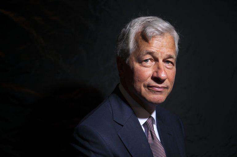 CEO JPMorgan Jamie Dimon, yang membangun bank Amerika Serikat terbesar dan paling menguntungkan dalam sejarah, juga memperingatkan para pemegang saham bahwa gangguan teknologi pada industrinya akhirnya sudah dekat [File: Giulia Marchi / Bloomberg]