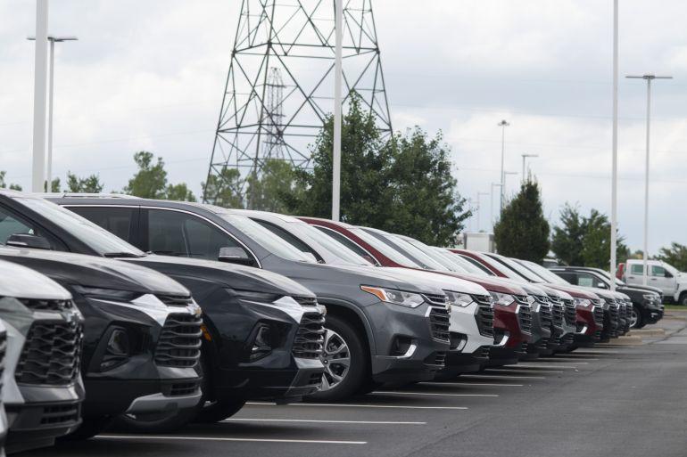 Sebuah grup industri otomotif Amerika Serikat memperingatkan bahwa kekurangan semikonduktor global dapat menyebabkan berkurangnya 1,28 juta kendaraan yang dibuat tahun ini [File: Ty Wright / Bloomberg]