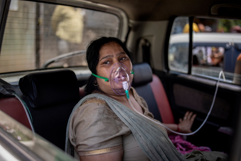 COVID patients, families beg for oxygen at India's hospitals | India News | Al Jazeera