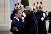 French President Emmanuel Macron (L) welcomes Chadian President Idriss Deby at the Elysee Palace in Paris on November 12, 2019 [File: Francois Mori/AP Photo]