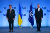 Ukraine's Foreign Minister Dmytro Kuleba (left) flew to Brussels for talks with NATO Secretary-General Jens Stoltenberg (right) a day after Kyiv accused the Kremlin of ignoring its request for talks [Francisco Seco/Pool/AP Photo]
