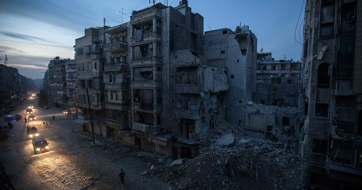 Hayati dan sekarat di sentra kesehatan Dar Al Shifa di garis depan Aleppo thumbnail