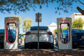 Installing charging stations across the United States is something industry groups deem essential to increase the adoption of electric vehicles (EVs) by consumers worried about getting stranded on a long road trip in an electric car [File: Bloomberg]