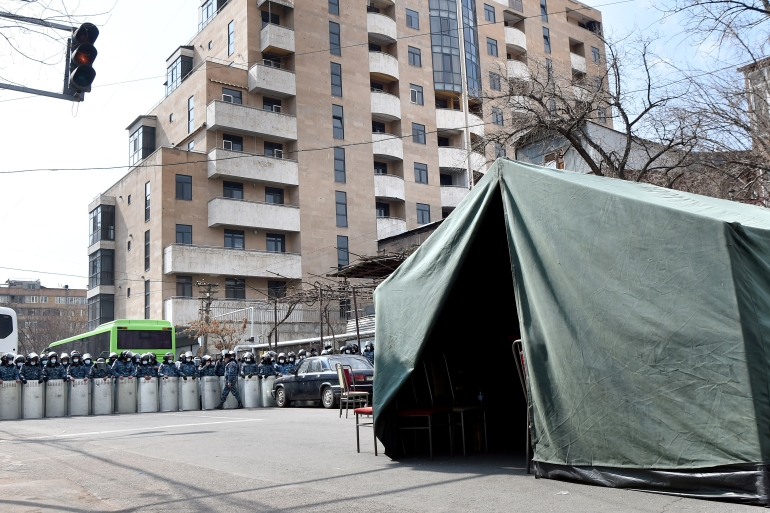 A protesters' tent during a rally demanding the resignation of Armenian Prime Minister Nikol Pashinyan held by the opposition Movement to Save the Motherland outside the offices of the National Assembly of Armenia, Yerevan, Armenia, March 10, 2021 [File: Lusi Sargsyan/TASS via Getty Images]