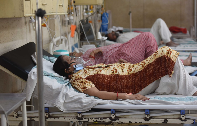 Otdelenıe neotlojnoı pomoshı COVID-19 v bolnıse ESIC (Indıra Gandı) v Djılmıle, Nıý-Delı.  [Radj Radj / Hindustan Times cherez Getty Images]