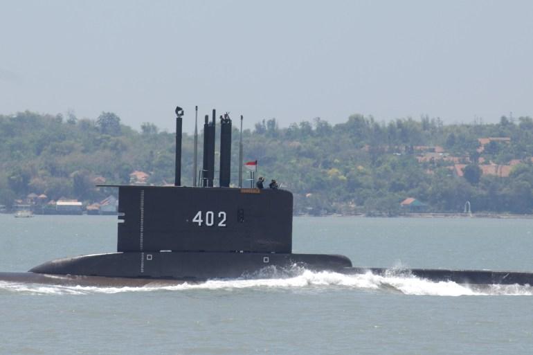 KRI Nanggala-402 sedang melakukan latihan torpedo di perairan utara pulau Bali [File: Alex Widojo / Anadolu / Getty Images]