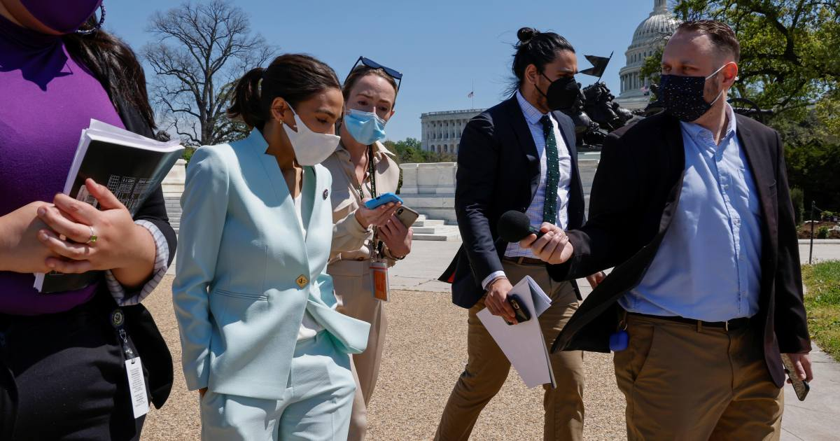 AOC, Democrats relaunch 'Green New Deal' before climate summit