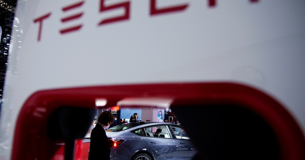 Unhappy Tesla customer gets company apology, five-day detention