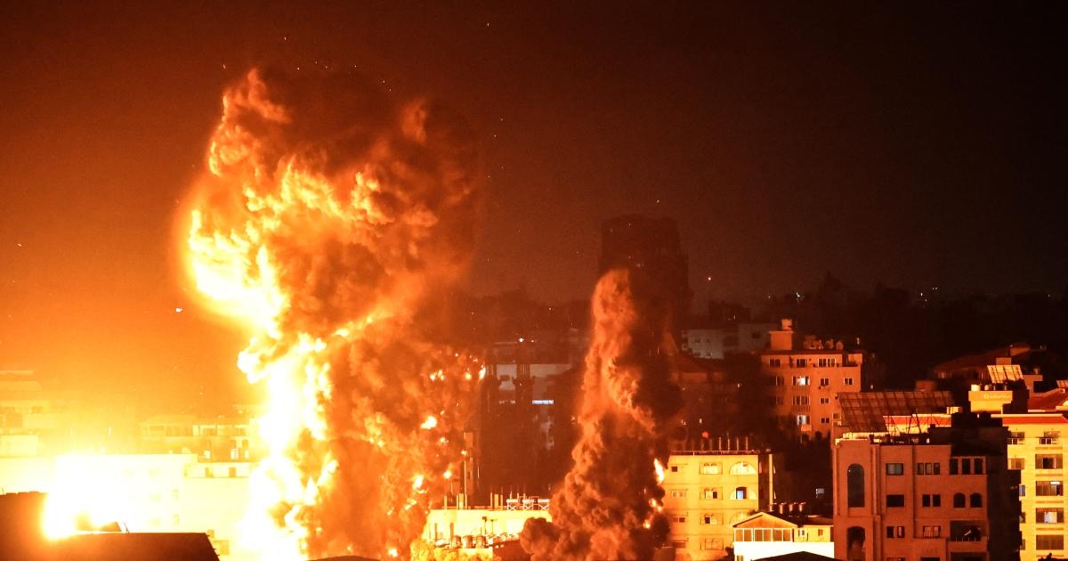 'Heavier' Israeli raids on Gaza as bombing enters second week