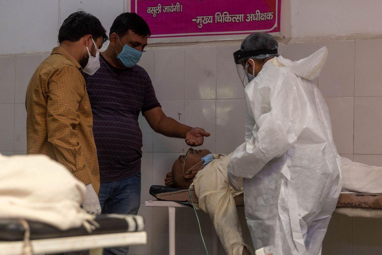 India COVID crisis: Tragic scenes at a hospital in Uttar Pradesh | India News | Al Jazeera