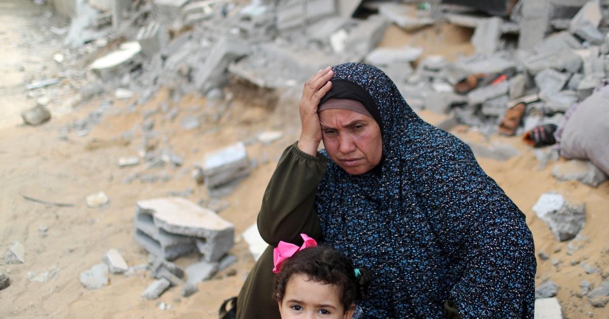 Ribuan orang kembali ke rumah-rumah Gaza yang hancur setelah gencatan senjata Israel thumbnail