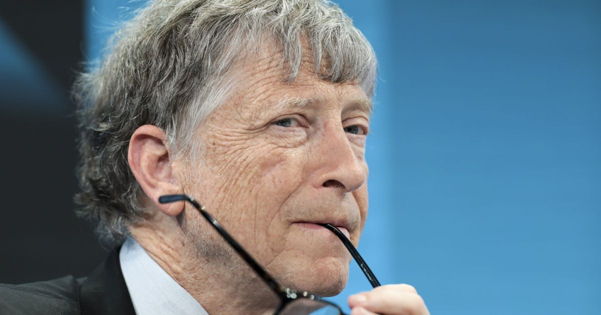 Microsoft investigated Bill Gates's involvement with an employee