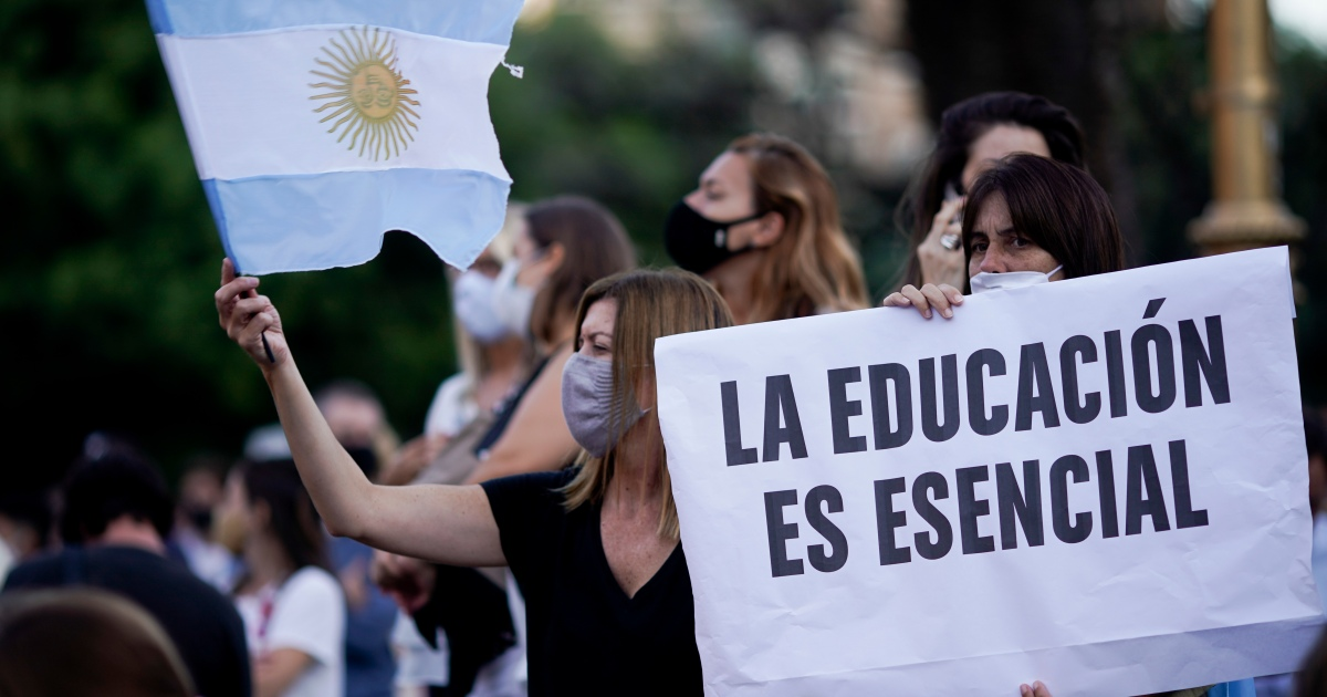 Argentina Supreme Court overrules president's closure of schools thumbnail