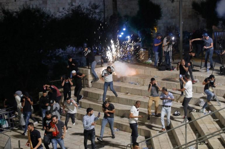 About 90 Palestinians injured in Israeli crackdown: Live | Al-Aqsa Mosque News | Al Jazeera