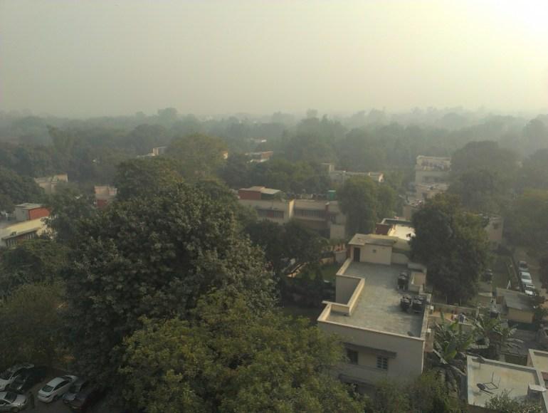 'I smell it, taste it, feel its heaviness': Life in Delhi's dust | Environment