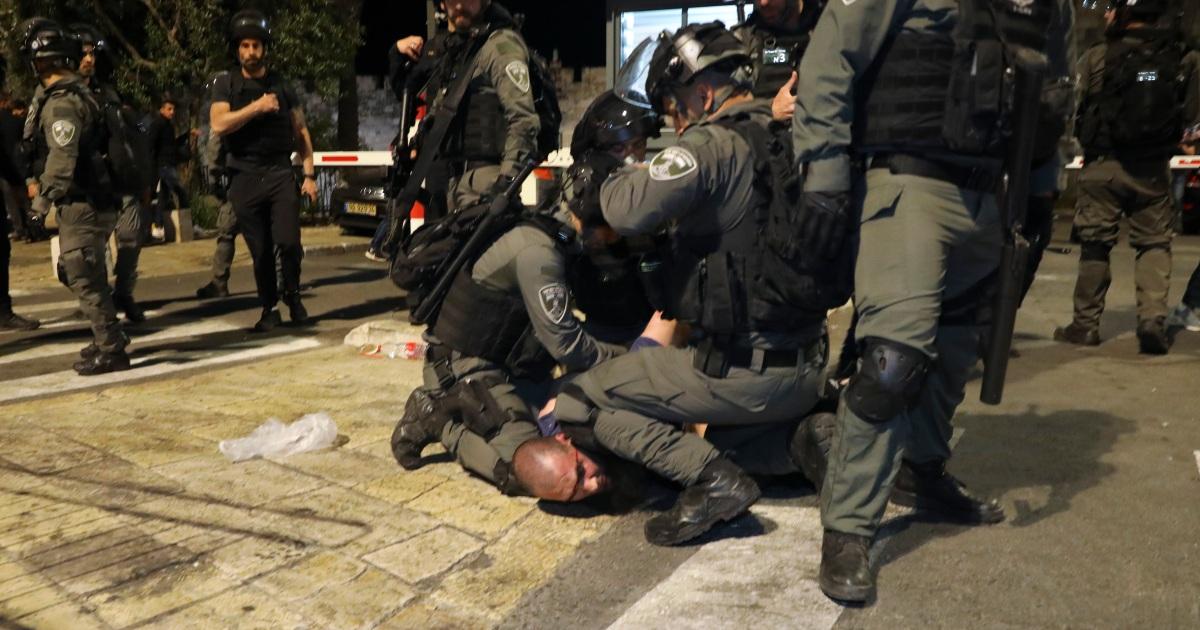 Global bereaksi ketika ketegangan di Yerusalem meningkat thumbnail
