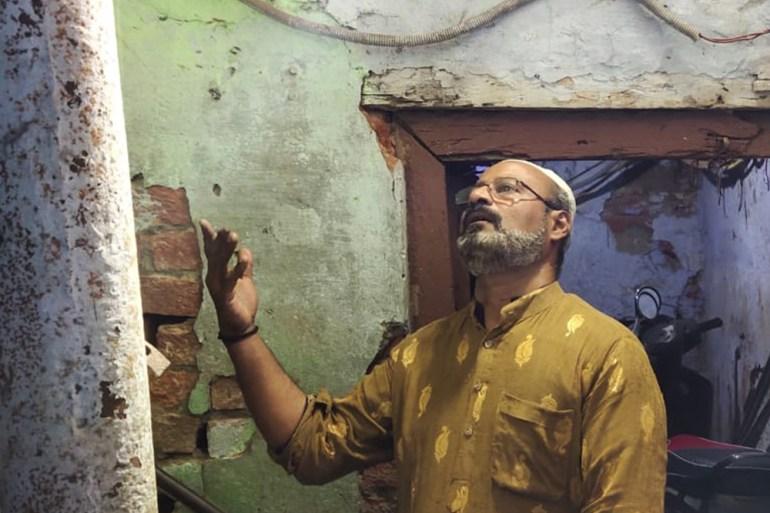 Fared Ahmed, a 'munaadi' who wakes up people for suhoor in Old Delhi [Nilima Pathak/Al Jazeera]