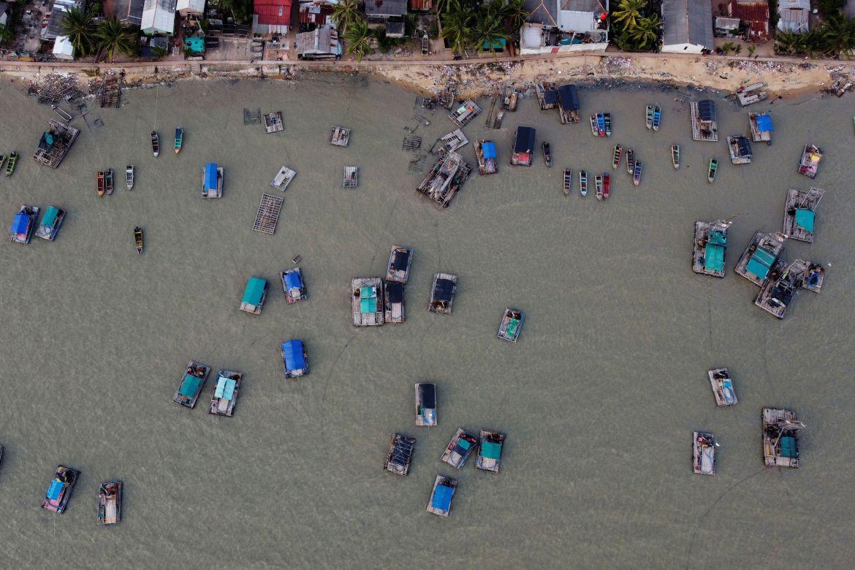 Pemandangan udara menunjukkan ponton kayu di sepanjang pantai Toboali, di pantai selatan pulau Bangka, Indonesia  Willy Kurniawan/Reuters