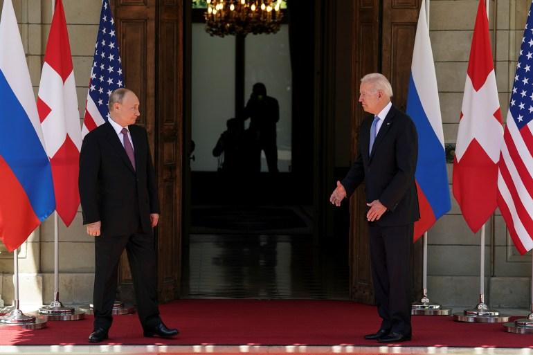Presiden AS Joe Biden dan Presiden Rusia Vladimir Putin bertemu untuk KTT ASRusia di Villa La Grange di Jenewa, Swiss Kevin Lamarque/Reuters