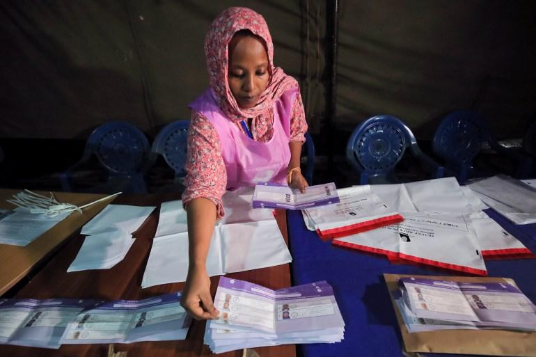 https://www.aljazeera.com/wp-content/uploads/2021/06/2021-06-21T191534Z_565470296_RC275O98ZH27_RTRMADP_3_ETHIOPIA-ELECTION.jpg?resize=770%2C513