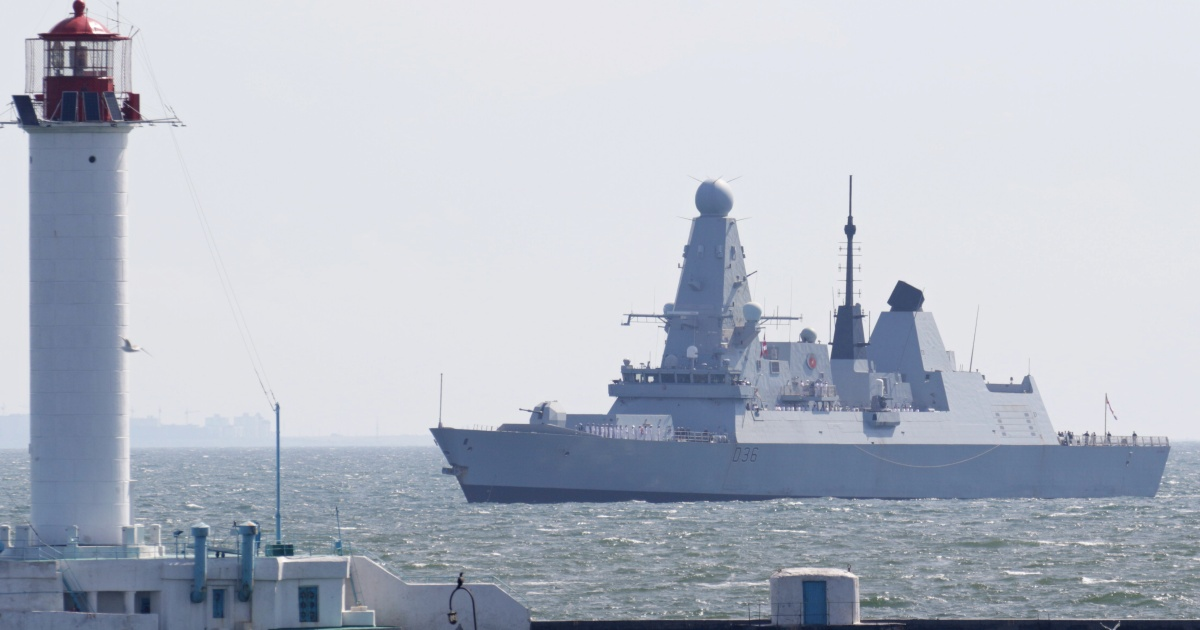UK, Russia escalate war of words over Black Sea warship incident