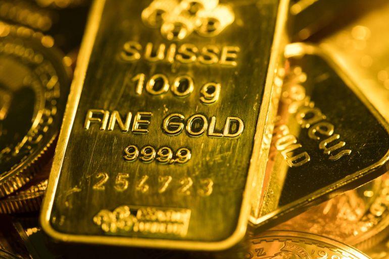 Emas minggu ini jatuh ke harga terendah sejak awal Mei setelah Federal Reserve Amerika Serikat mengindikasikan pengetatan kebijakan moneter dapat dimulai lebih awal dari yang diharapkan File Chris Ratcliffe/Bloomberg