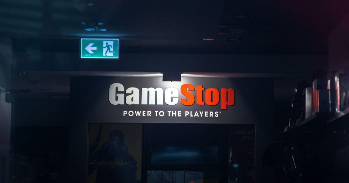 GameStop stock plummets 27 percent following earnings report