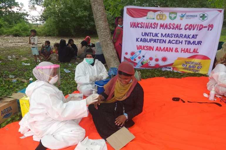 Ke81 pengungsi Rohingya yang tiba di Aceh pada 4 Juni semuanya divaksinasi COVID19 keesokan harinya Courtesy of Geutanyoe Foundation