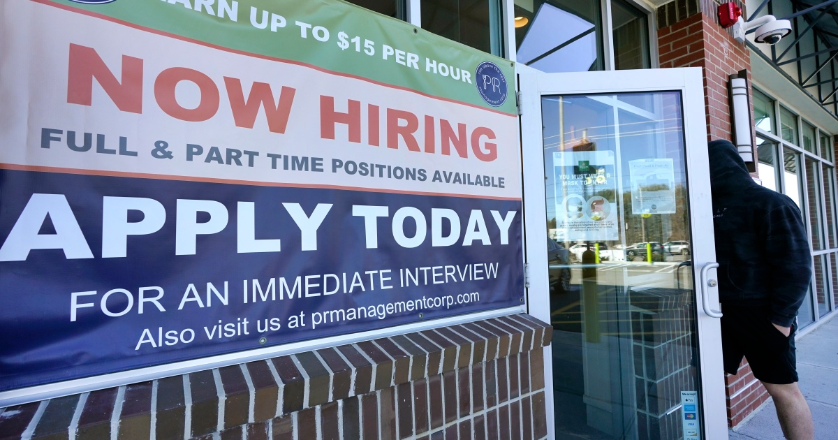 Photo of The number of weekly unemployment claims in the US unexpectedly rises, representing layoffs   Business and Economic News