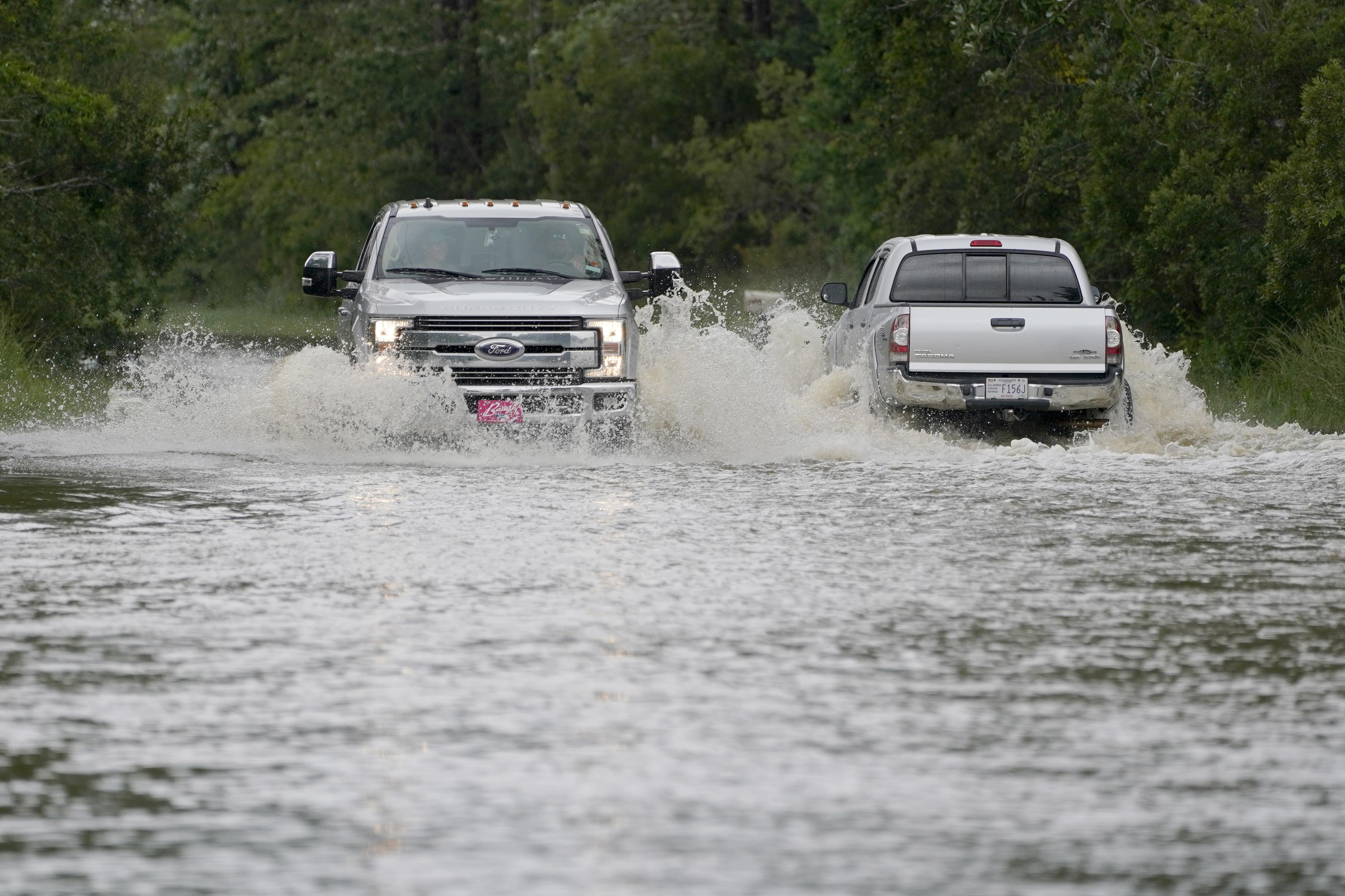Nine children and one adult killed in Alabama crash during storm