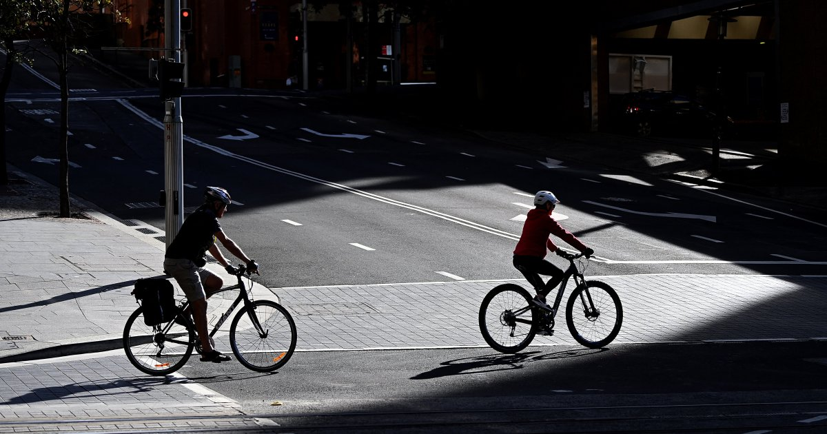 Australia's Sydney extends COVID lockdown as Delta cluster grows thumbnail