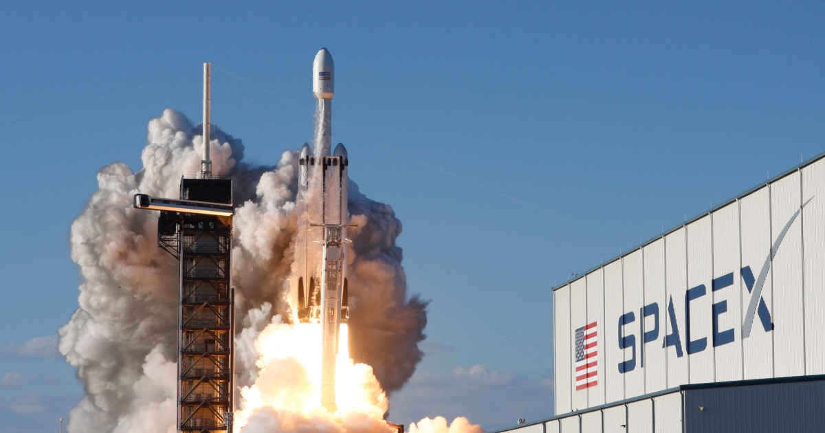 Photo of Jupiter rises: SpaceX just won another important NASA contract | Business and Economic News
