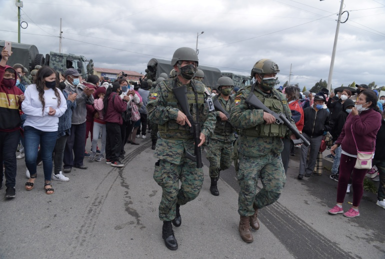 In Ecuador: Death toll from two prison riots climbs to 27 state of emergency declared - Tatahfonewsarena