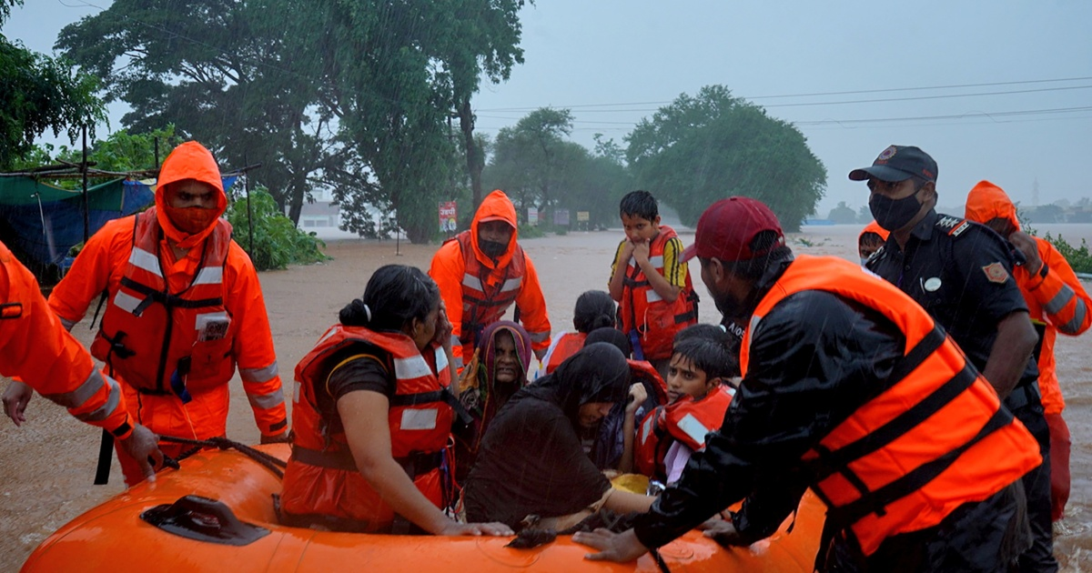 Frantic search for survivors as India flooding toll rises thumbnail