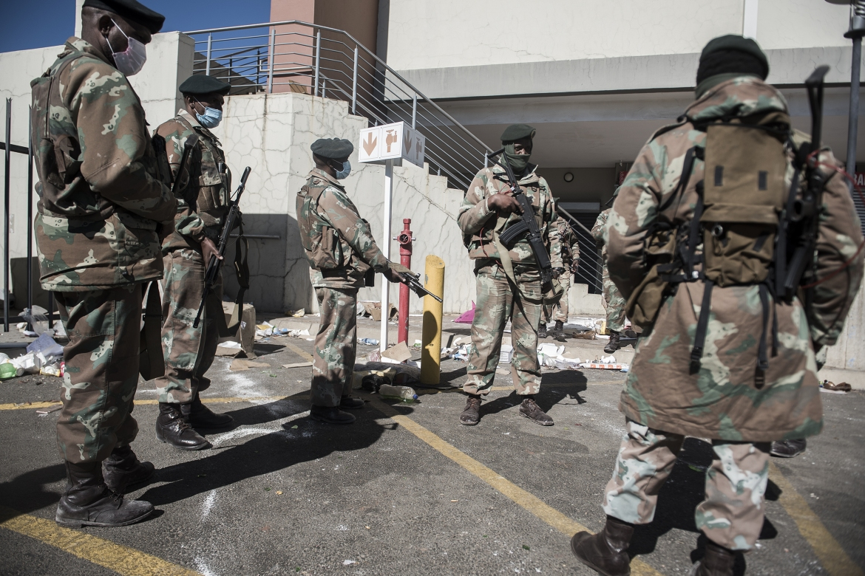 South African National Defense Force (SANDF) members in Soweto. [Shiraaz Mohamed/Anadolu]