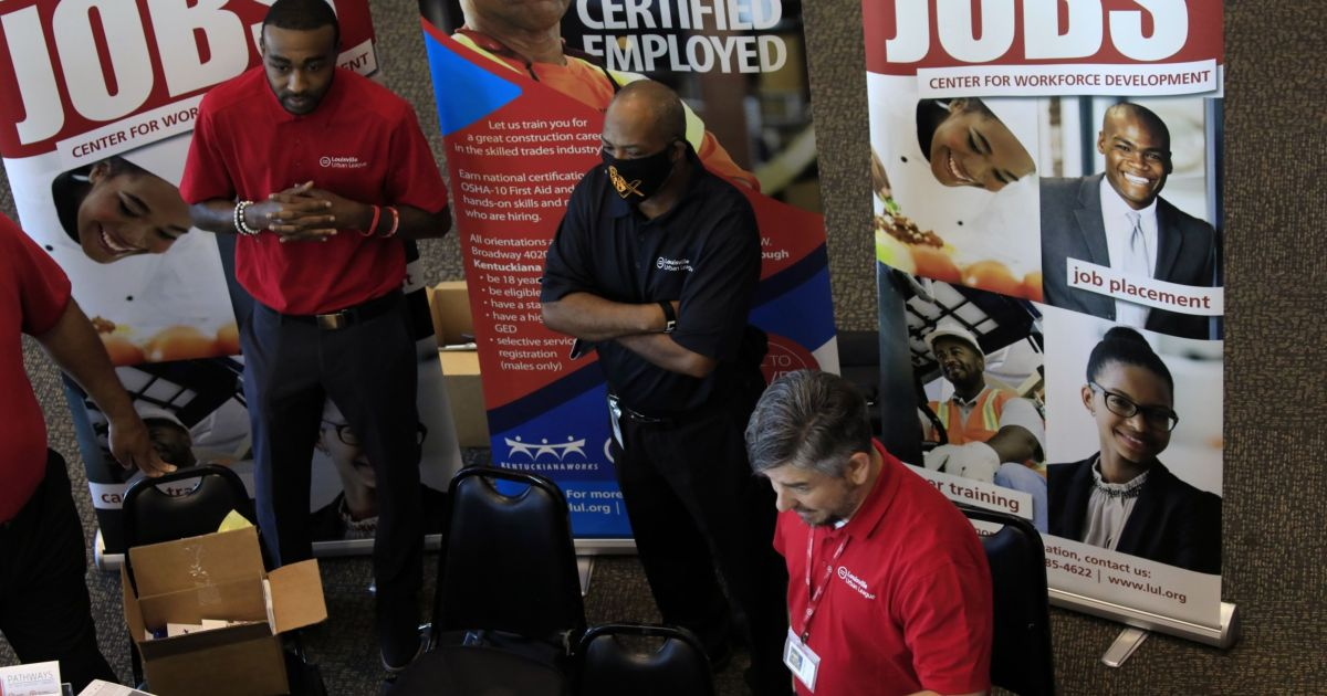 US jobless claims unexpectedly rise to 419,000, most since March