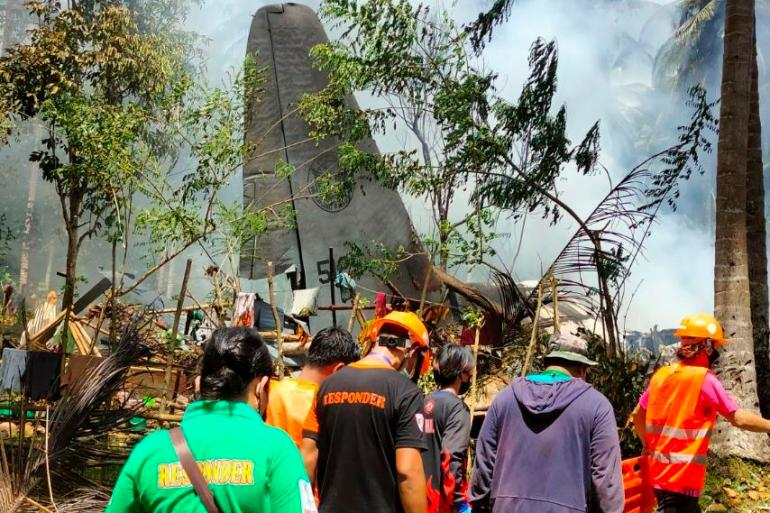 Military plane transporting troops crashes in the Philippines | Philippines  News | Al Jazeera