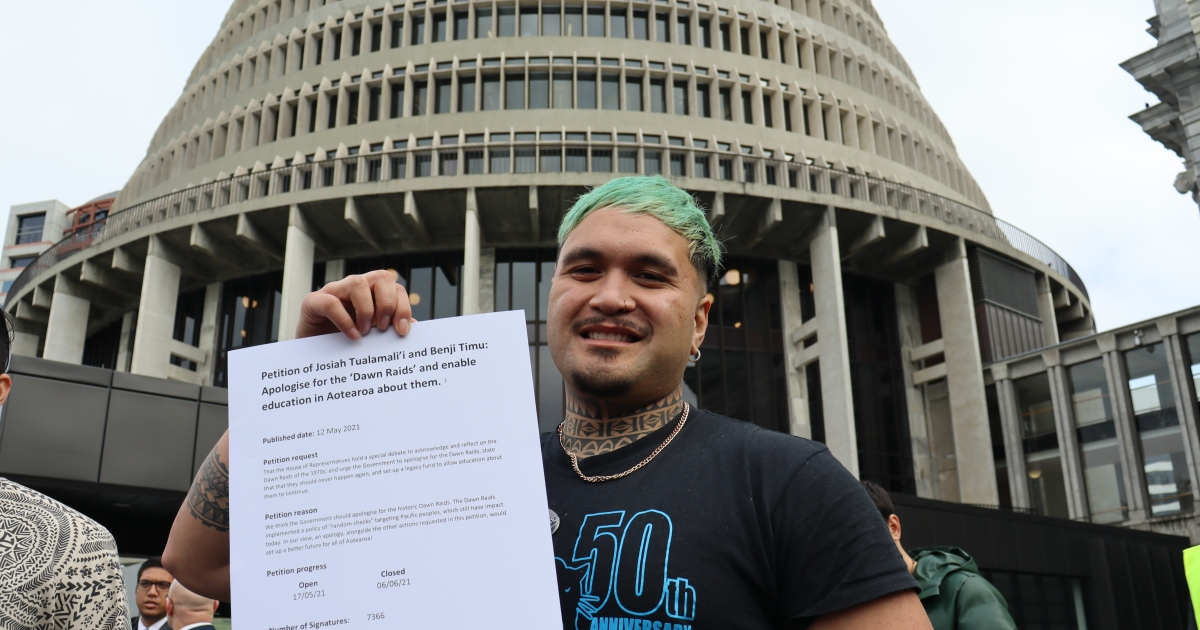 """Photo of """"Racist"""" attack: New Zealand apologizes to Pacific Islanders immigration news"""