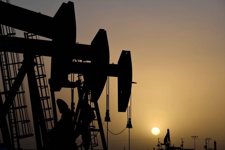 Menanggapi kehancuran permintaan minyak yang disebabkan oleh pandemi coronavirus, OPEC tahun lalu setuju untuk memangkas produksi hampir 10 juta barel per hari mulai Mei 2020, dengan rencana untuk menghapus pembatasan pada akhir April 2022 File Nick Oxford/Reuters