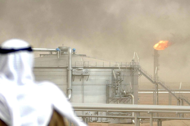Kuwait recorded 66.7 billion dinars or $221bn in total oil revenue in the last five years [File: Bloomberg]