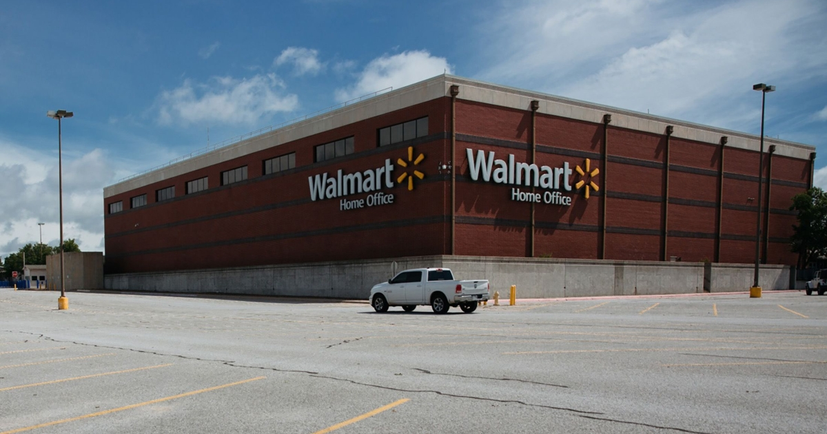 Photo of U.S. largest employer Walmart orders employees to vaccinate business and economic news