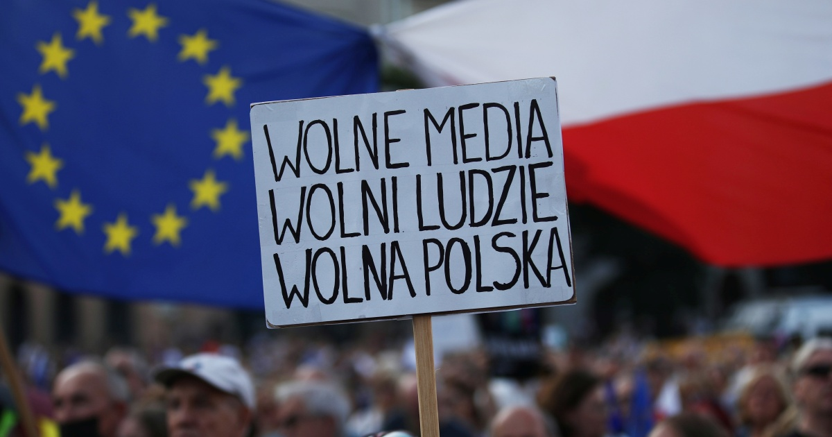 Polish ruling coalition collapses amid rift over media bill
