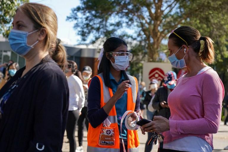 Sydney rushes to vaccinate as Delta variant tears through suburbs   Coronavirus pandemic News