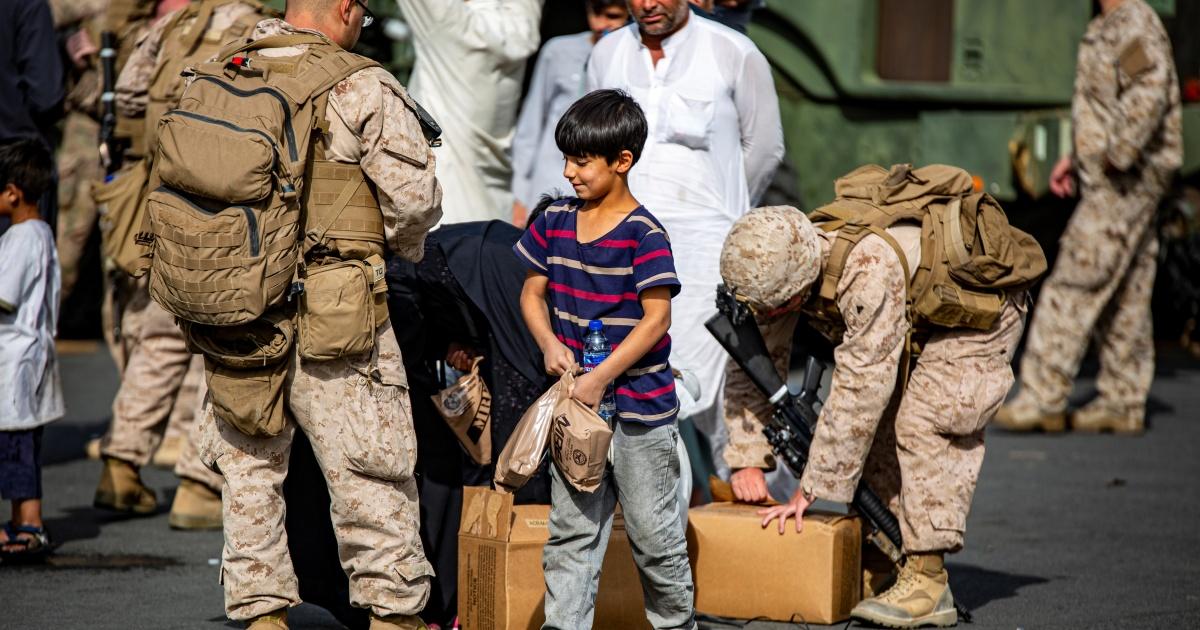 Desperation deepens as Afghan evacuations falter thumbnail