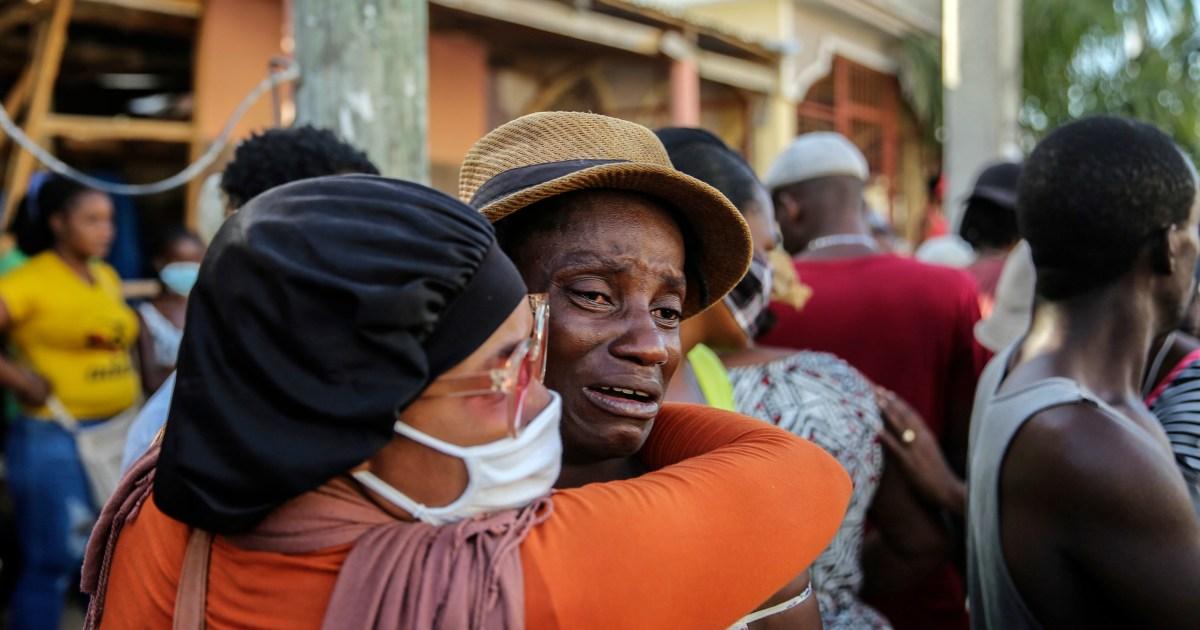 Dengan badai yang mendekati Haiti, upaya penyelamatan gempa bumi semakin intensif thumbnail