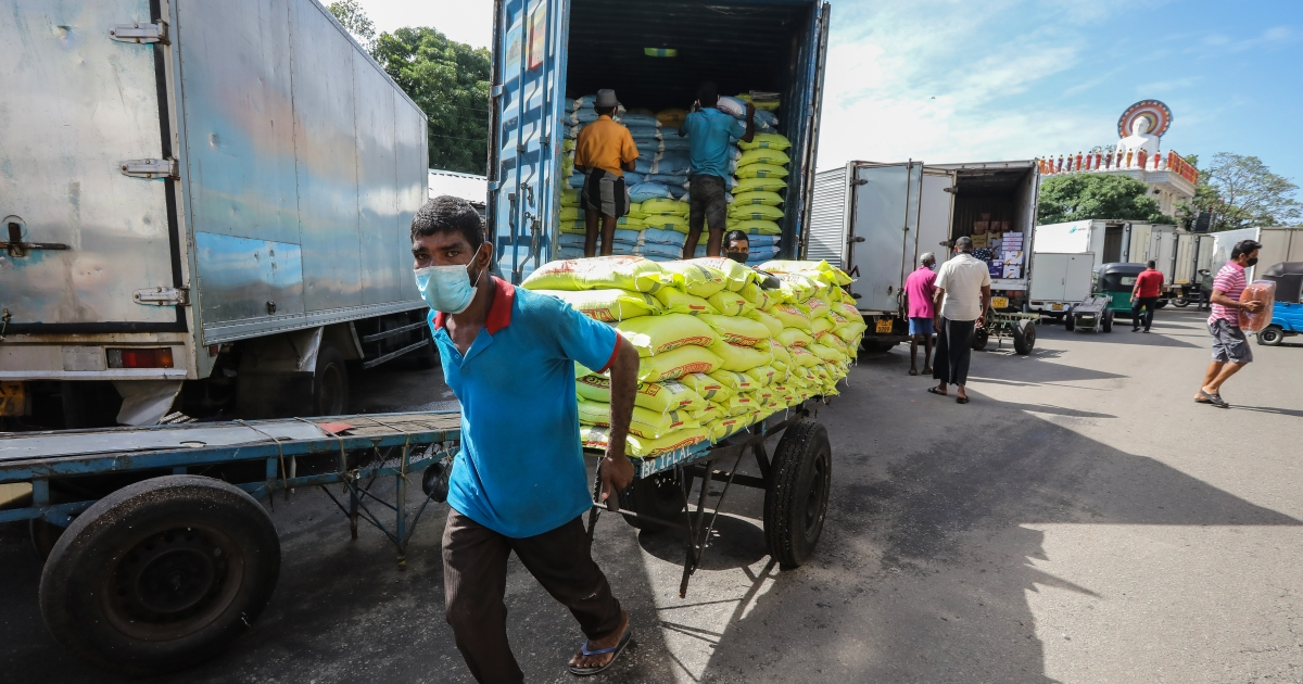 Image Sri Lanka allows sharp rise in food prices to ease shortages