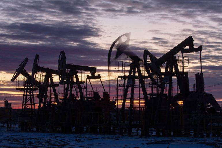 Oil caps week with longest losing streak since 2019 | Banks News | Al  Jazeera